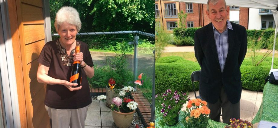 Jim Buttress Judges Gardening Competition At Millbrook Village Western Morning News